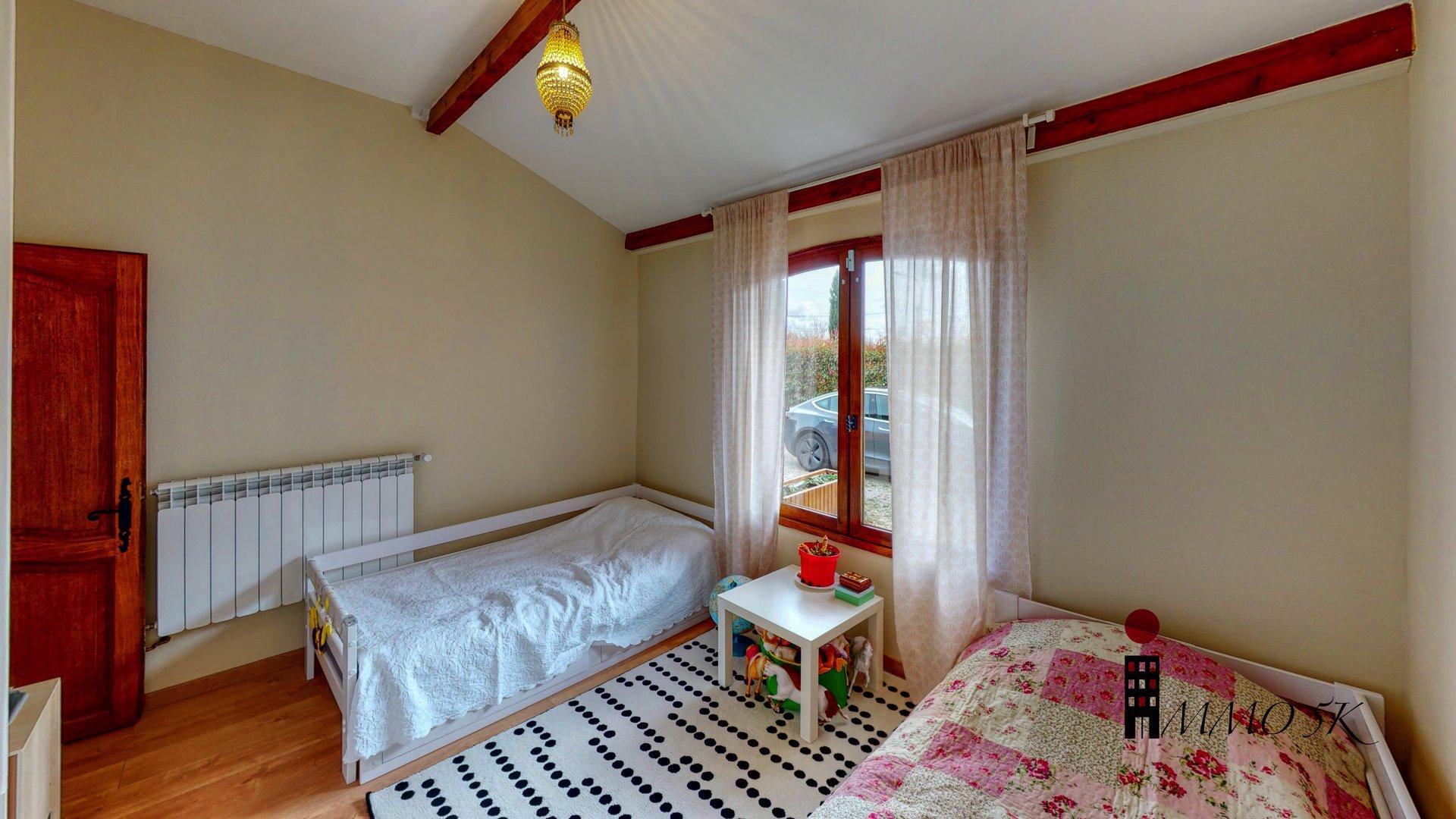 Maison de plain pied 97,67m2 - 4 pièces - 3 chambres - 1008m2 de Terrain