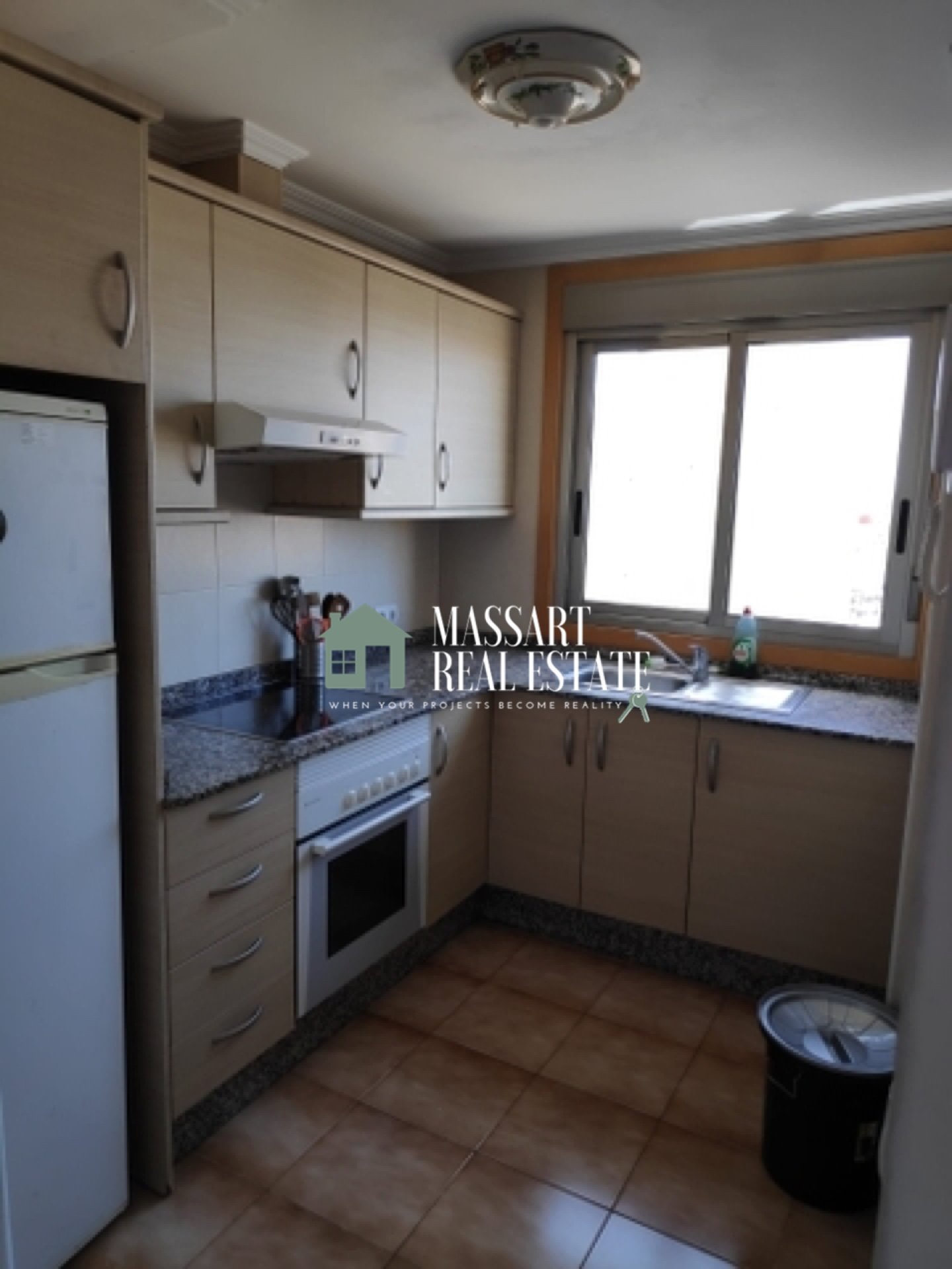 For rent in a central area of San Isidro, spacious 79 m2 apartment completely renovated and furnished.
