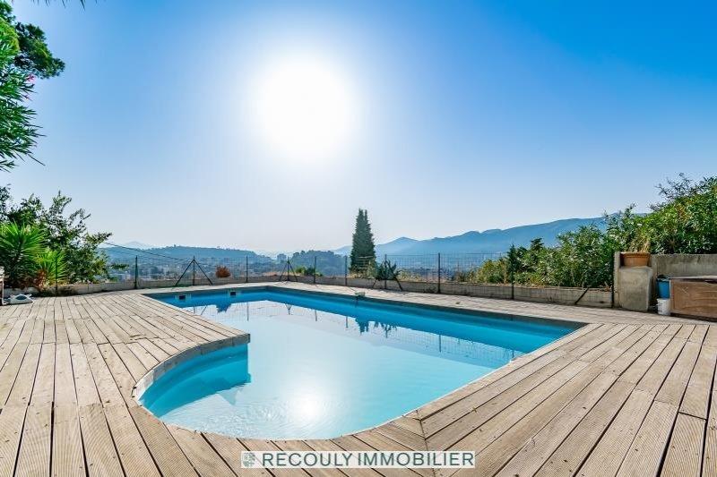 EXCLUSIVITE - 12EME - T3 terrasse vue piscine