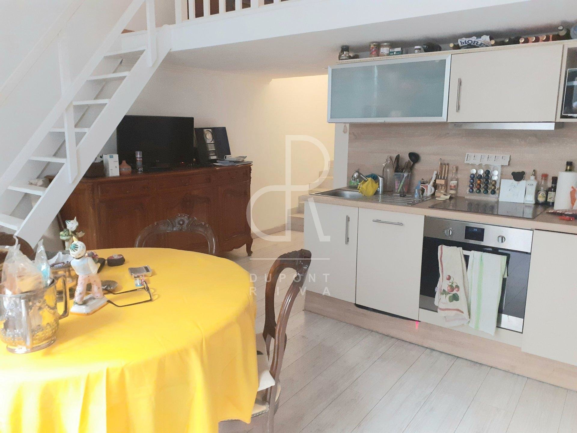 PRETTY THREE ROOMS CLOSE TO THE PORT OF CANNES
