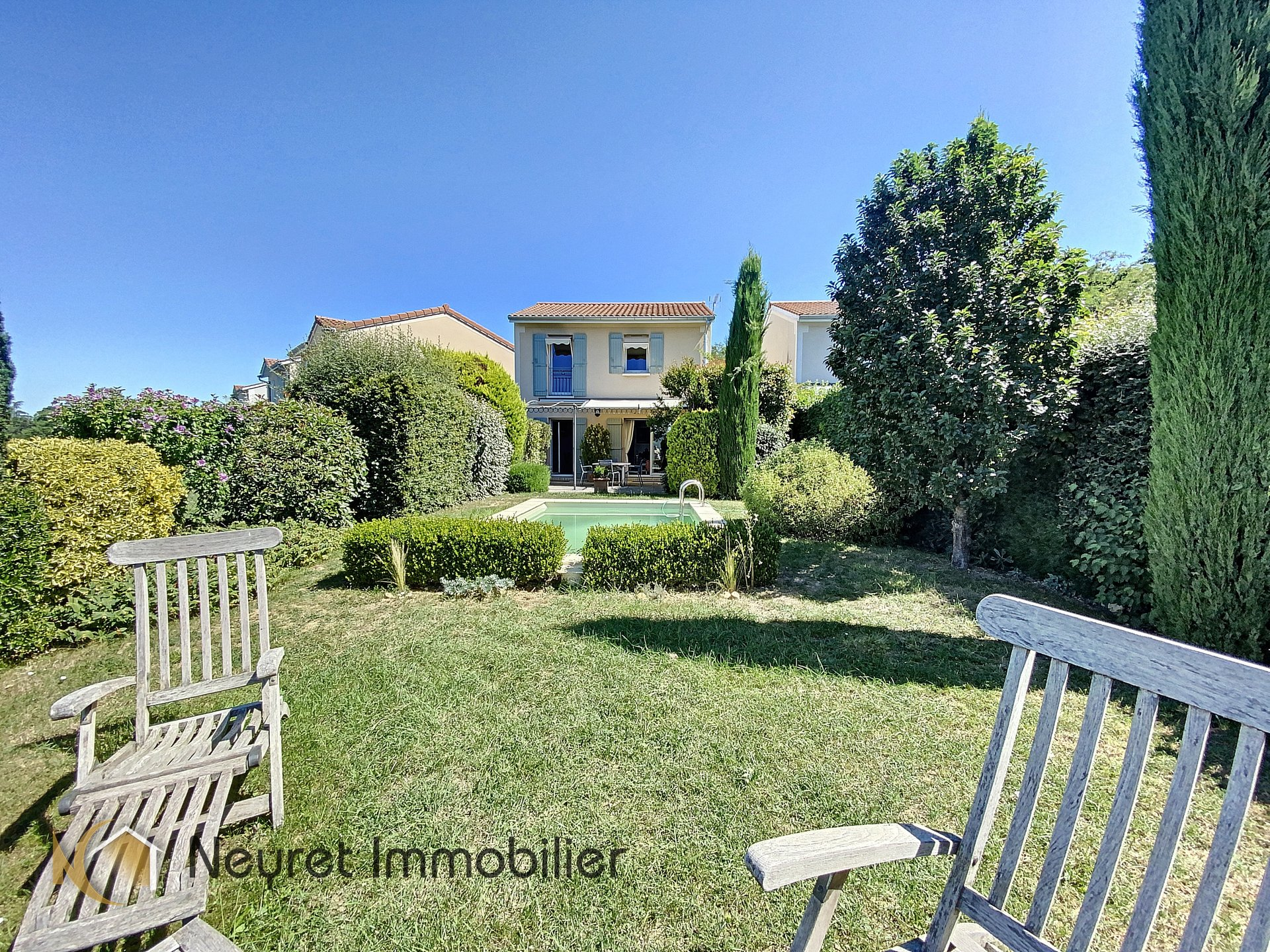 villa avec piscine les hauts de Neuville s/ saone