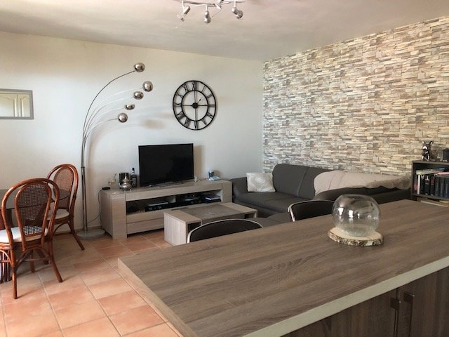Sale Apartment - Lambesc