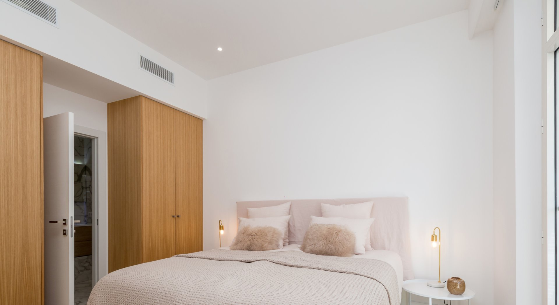 CANNES BANANE AREA 5 ROOM APARTMENT