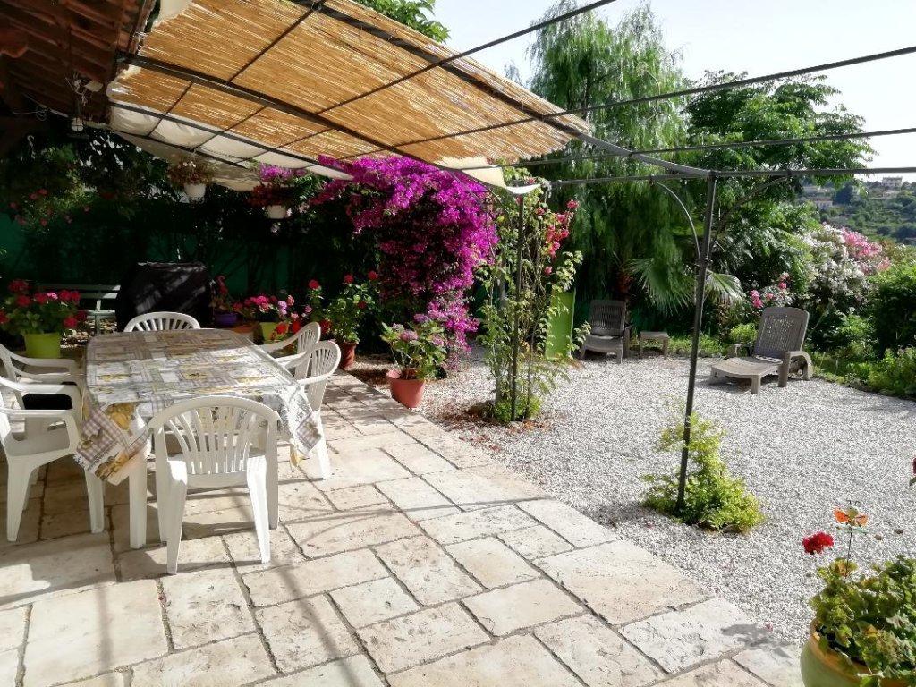 Antibes Brusquets Belle villa  avec studio indépendant