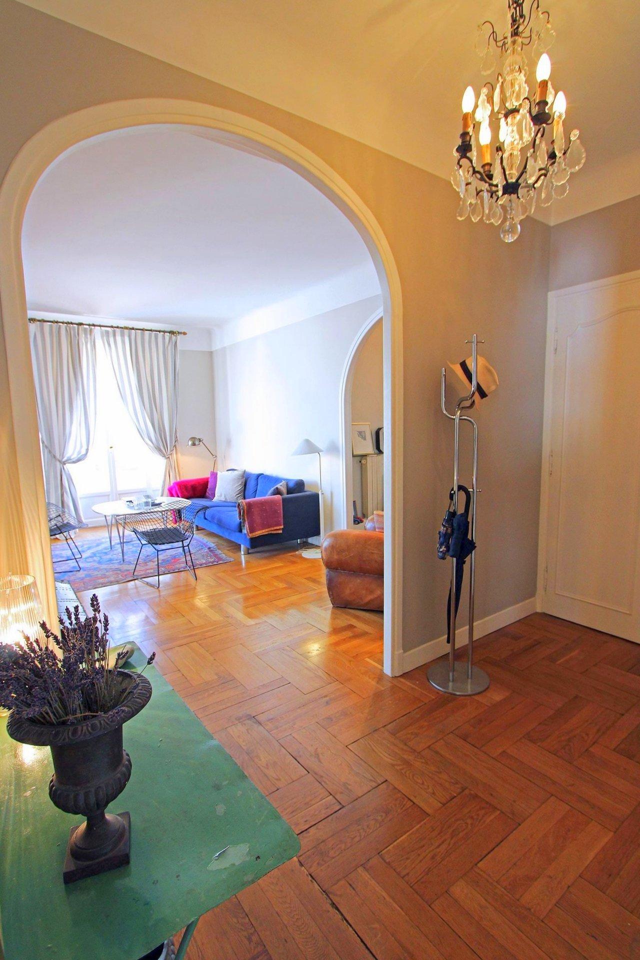 FÖRSÄLJNING Lägenhet 3 Rum 92m² Nice Musiciens Balkonger