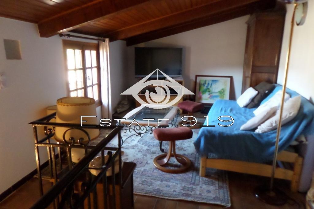 Maison de village rénovée, avec terrasse et studio indépendant