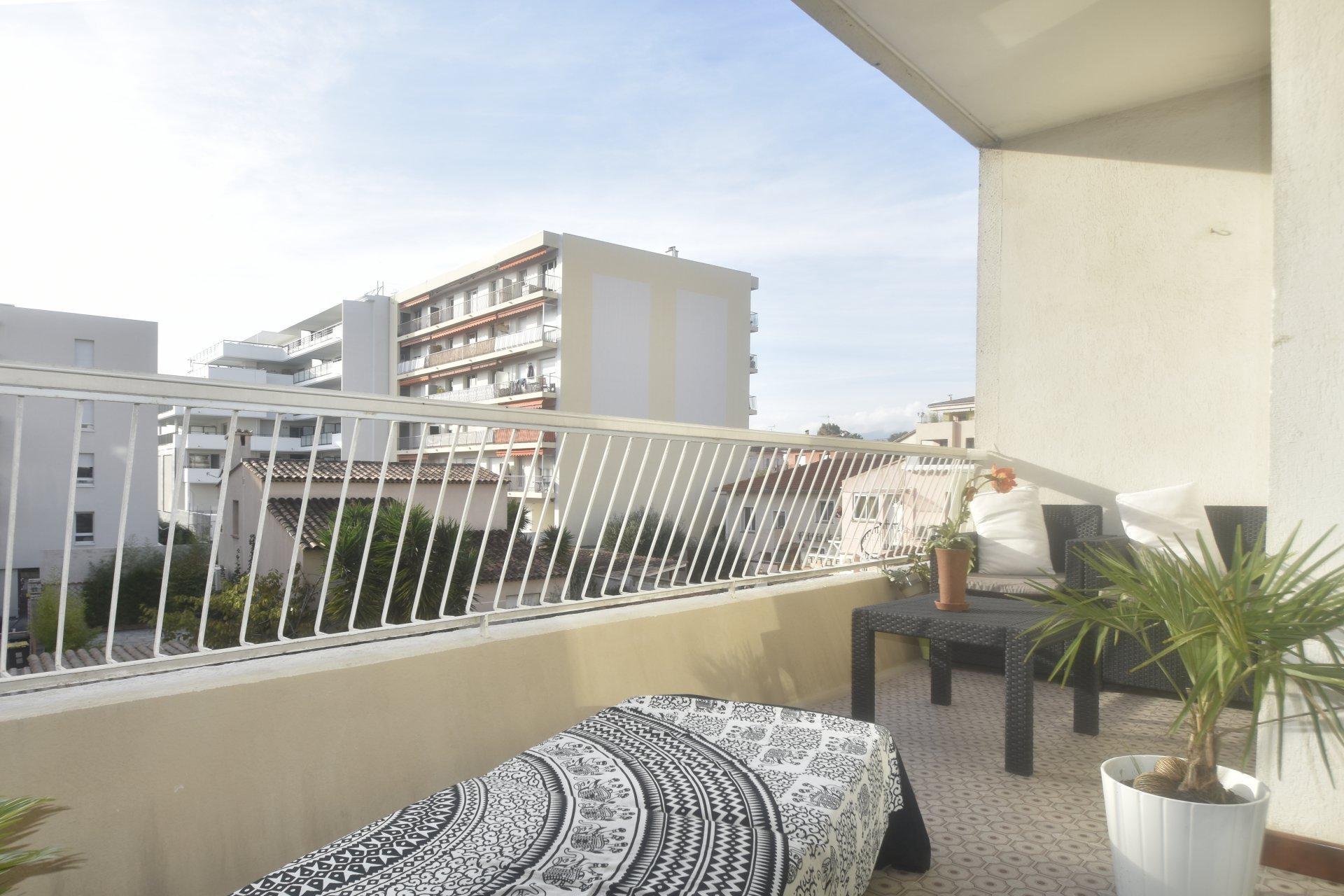 Cros de Cagnes sur Mer : 1 bedrom terrace