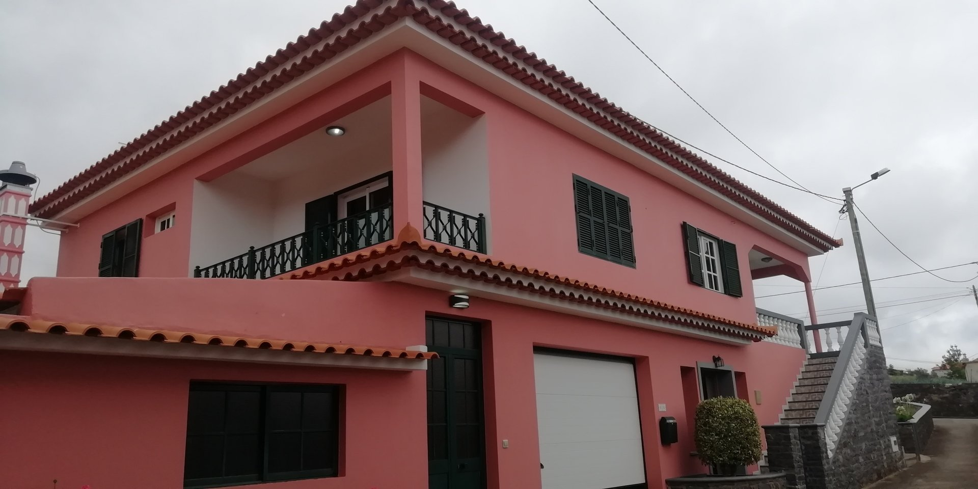 Beautiful and large contemporary villa with garden located in Ponta do Sol