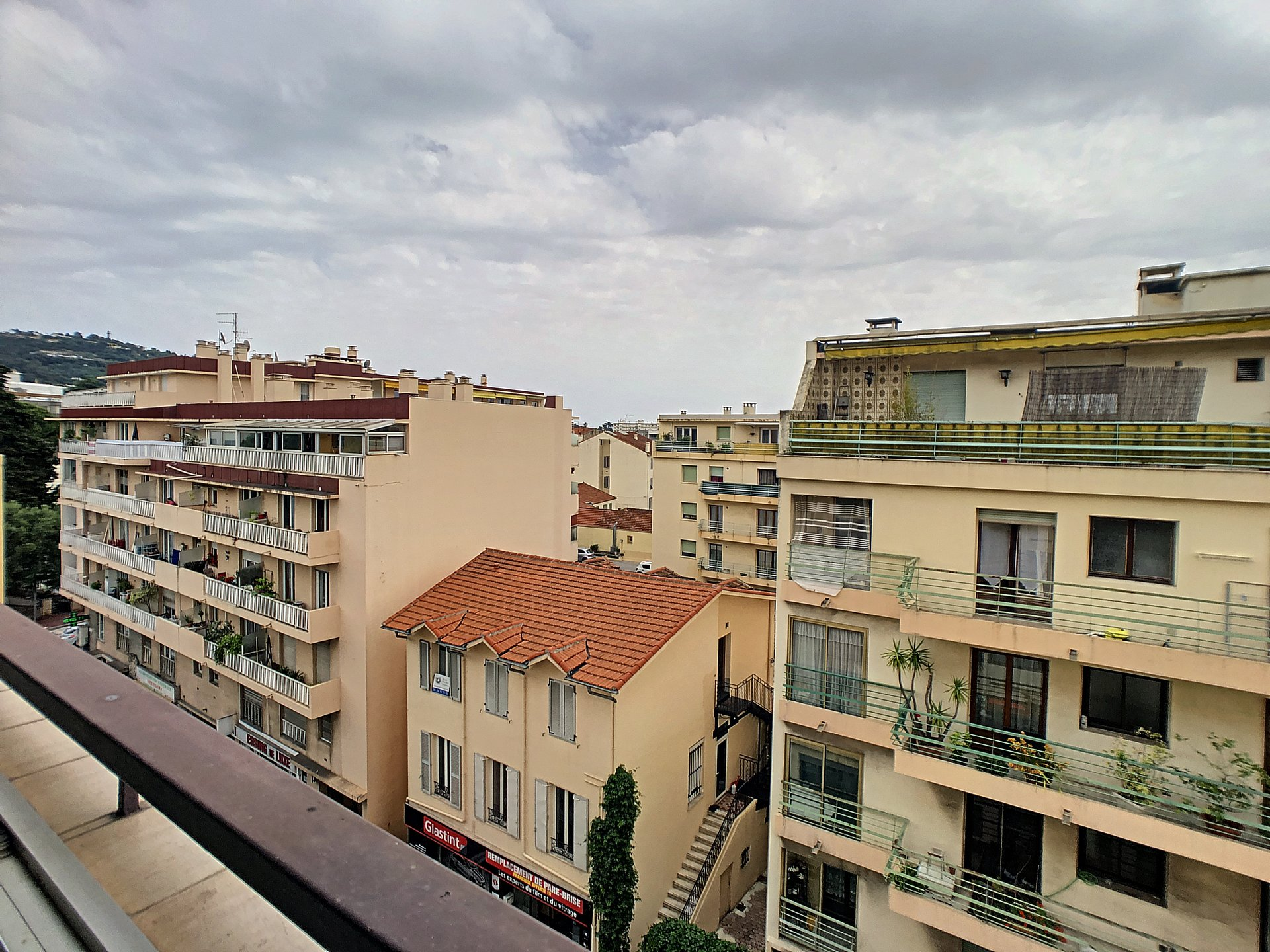 Cannes - 3 rooms flat with terrace and garage