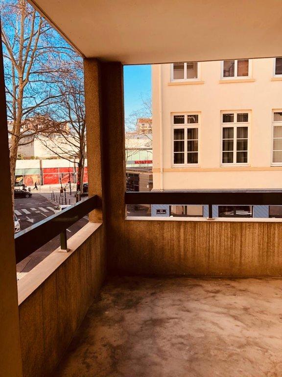 Croix Rousse T3 avec terrasse entièrement rénové