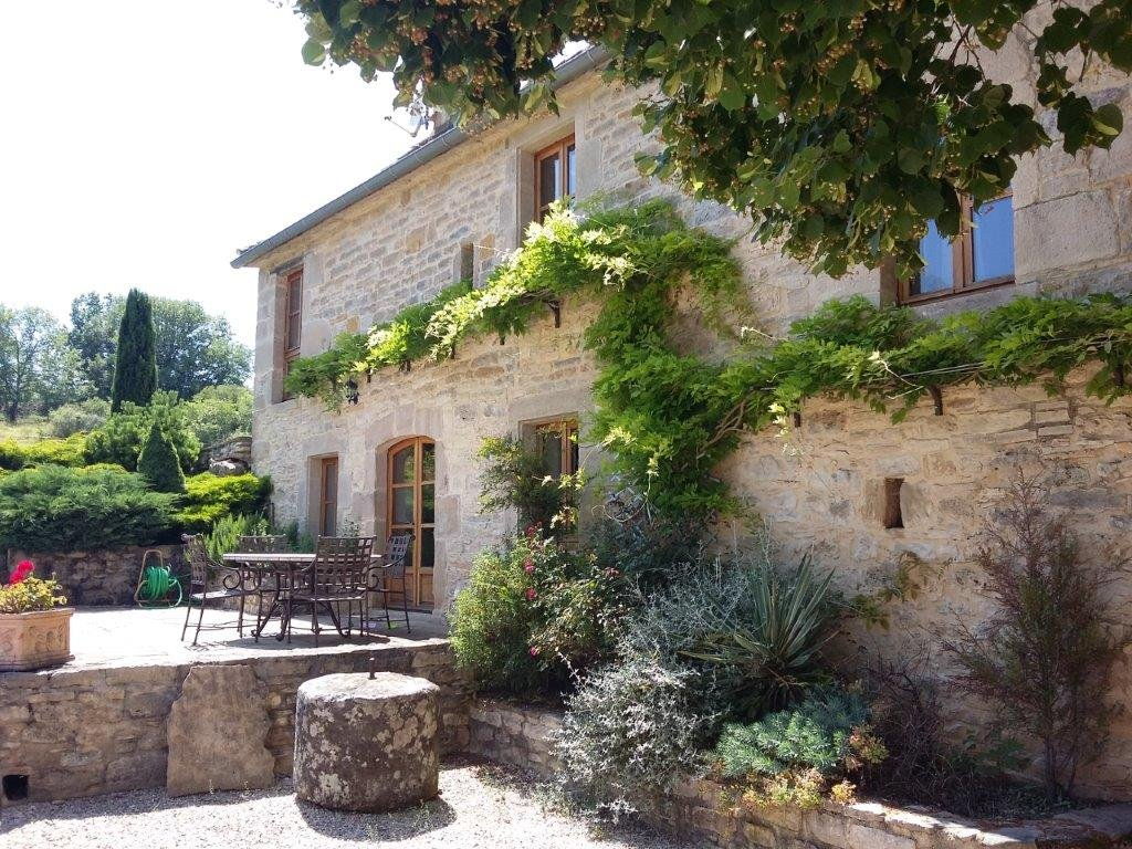 Beautifully renovated stone-built country residence