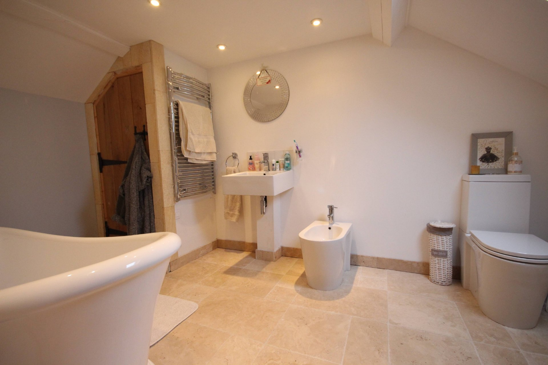 A simply spectacular kitchen is the centre piece of this luxurious 5 bed, 5 bathroom house with pool