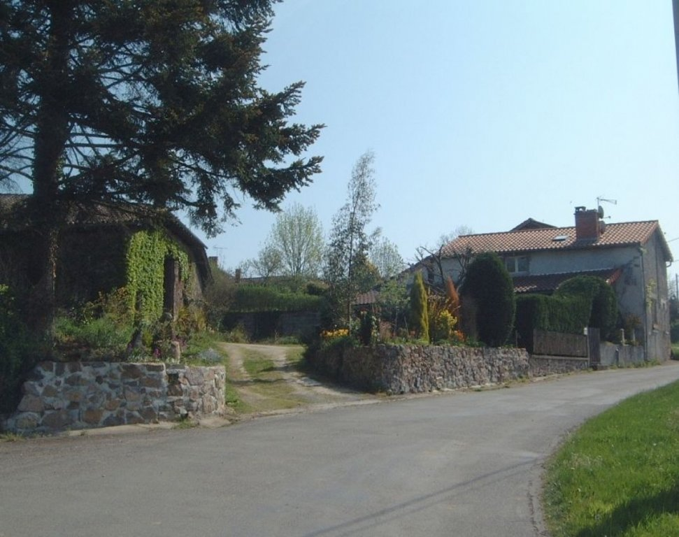 Hamlet house for sale in the Chabanais area, Charente