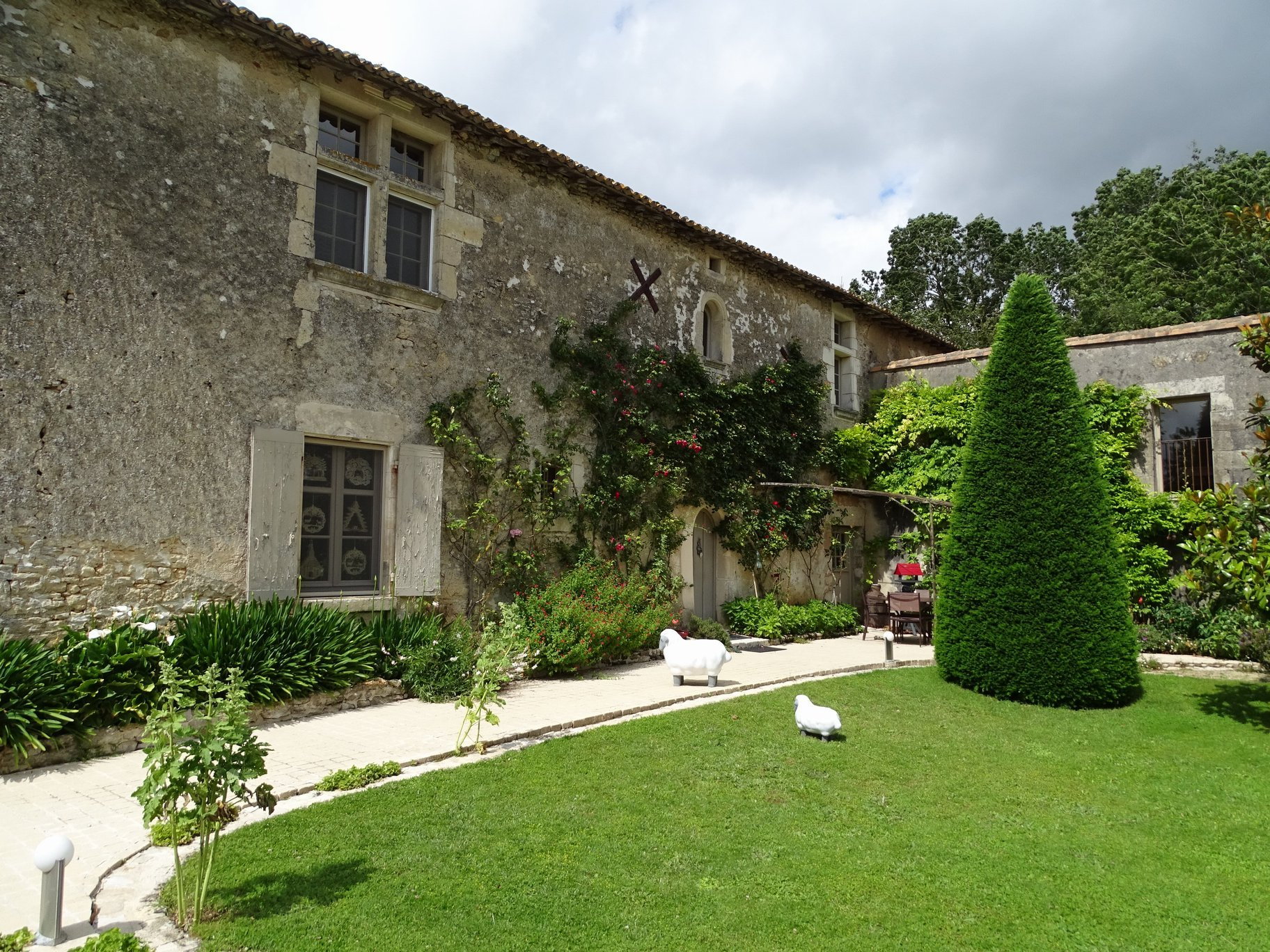 15th/16th century 4 bedroom Logis beautifully restored