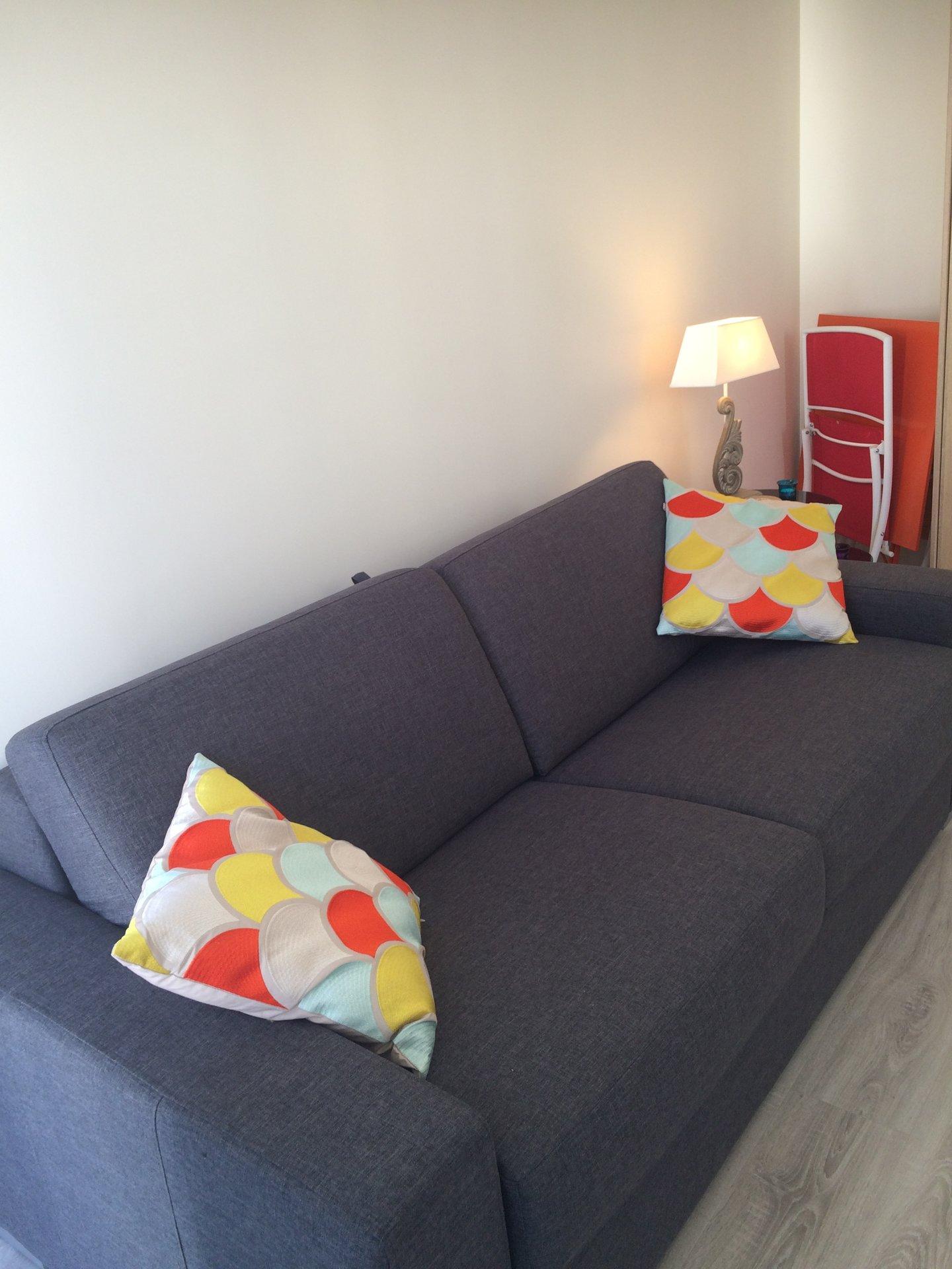 studio meuble /COURTE PERIODE / promenade des Anglais  /tramway / bus
