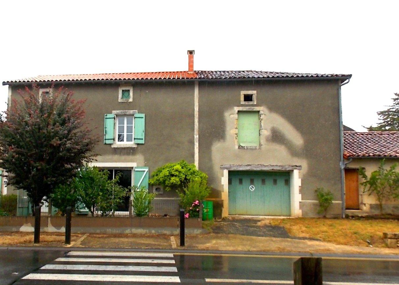 Great value detached stone house habitable immediately
