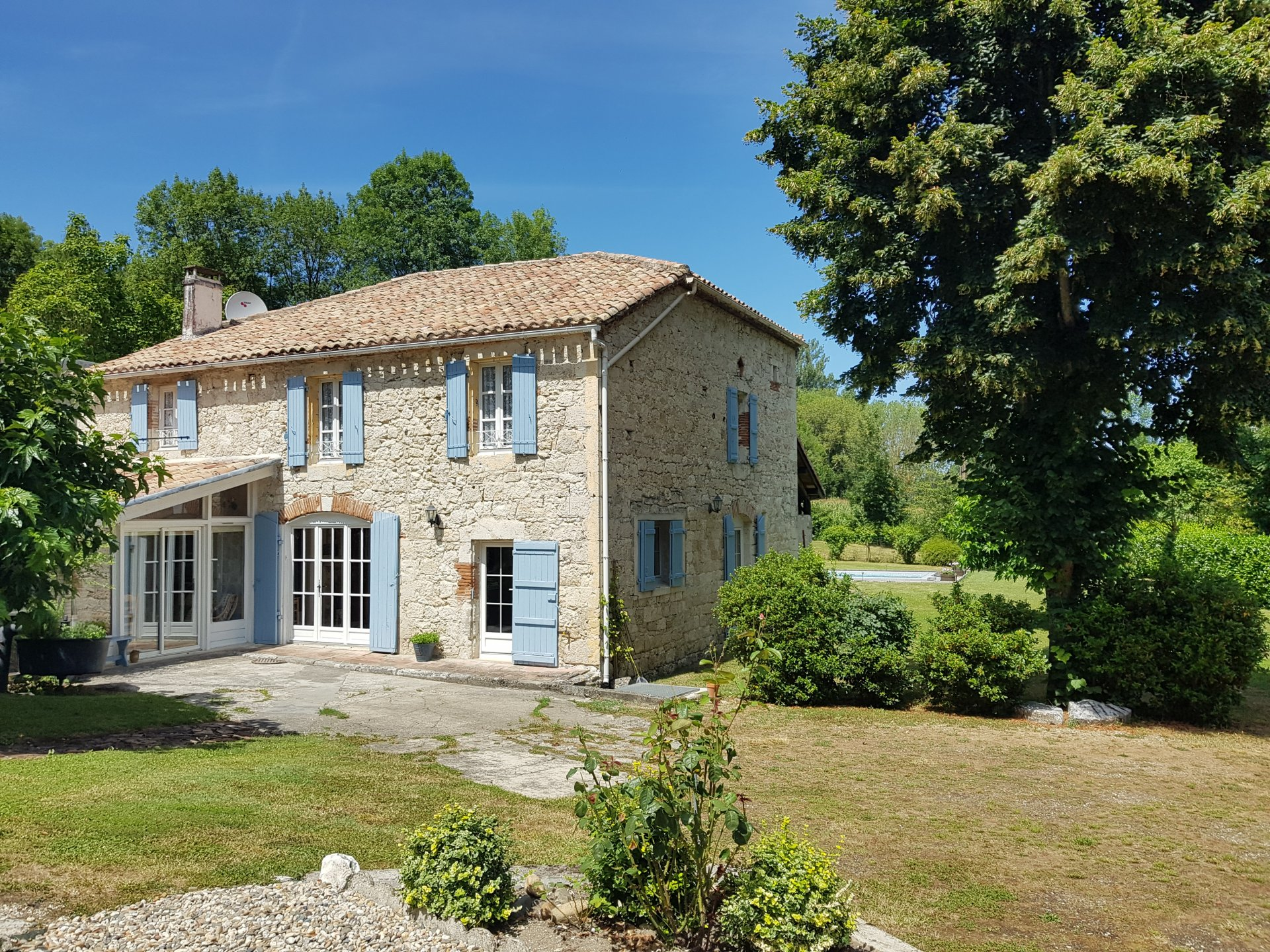Charming stone house with pool and garden