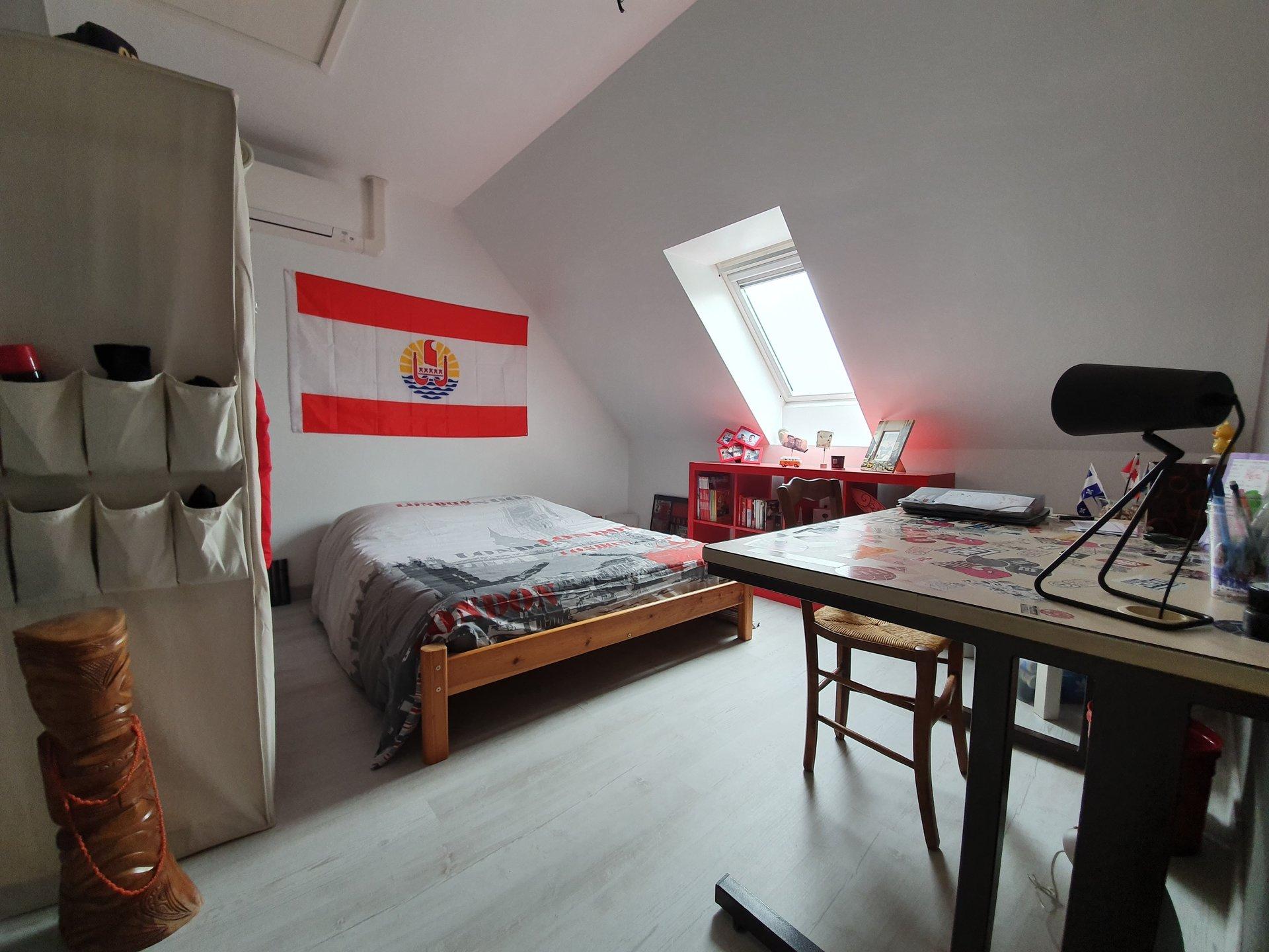 Centre de Plélan-Maison T6 de 170 m² hab sur terrain de 1180 m²