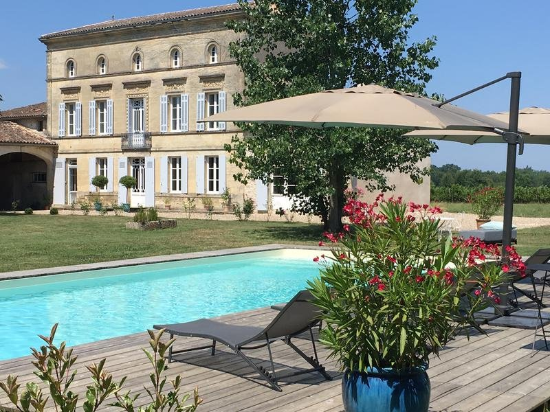 Immaculate Napoleon III manor house refurbished to the highest standards