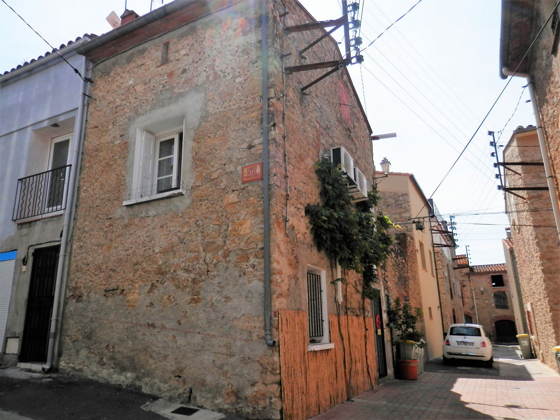 Ideal pied à terre in the South