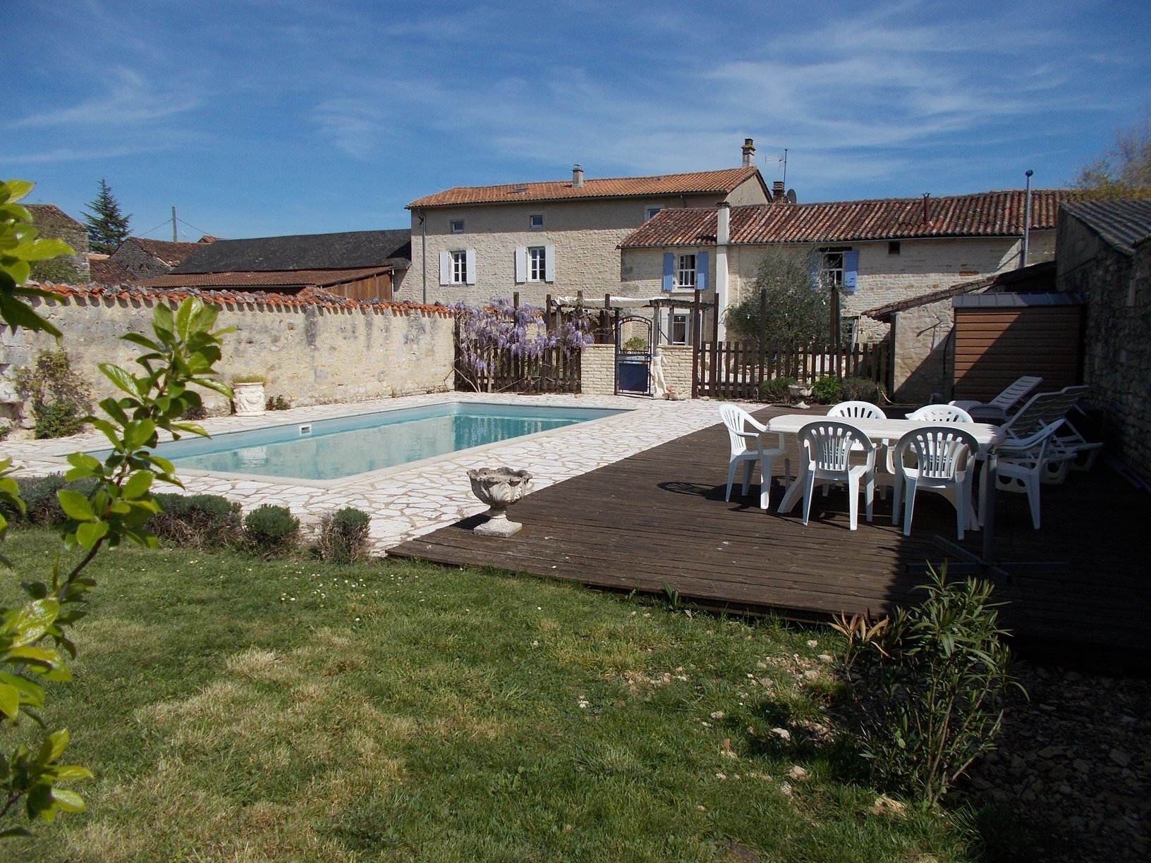 8 Bedroomed stone property in a pretty village