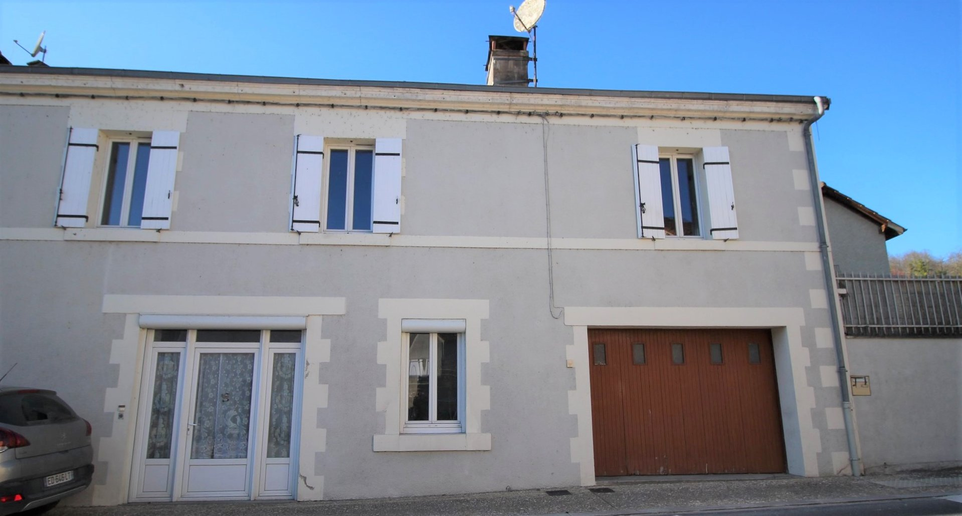3 bedroom centrally heated village property close to all amenities