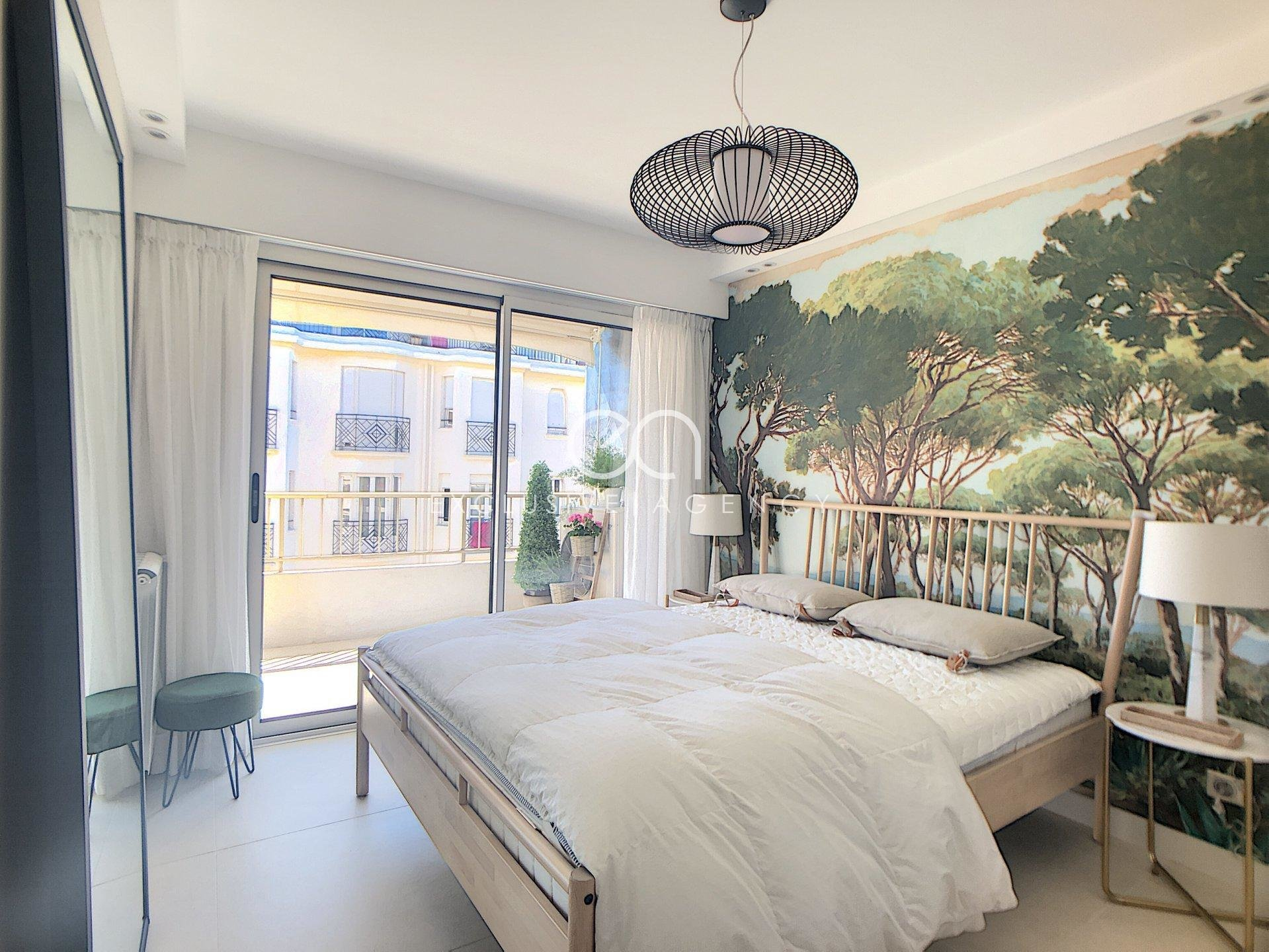 CONGRESS RENTAL CANNES CROISETTE FULLY RENOVATED ONE-BEDROOM APARTMENT 50SQM WITH TERRACE