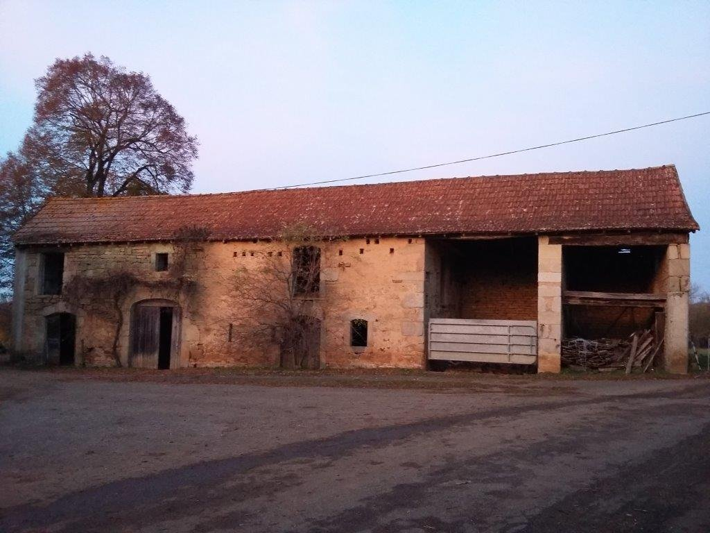 Stone-built barn suitable for development as a two level property