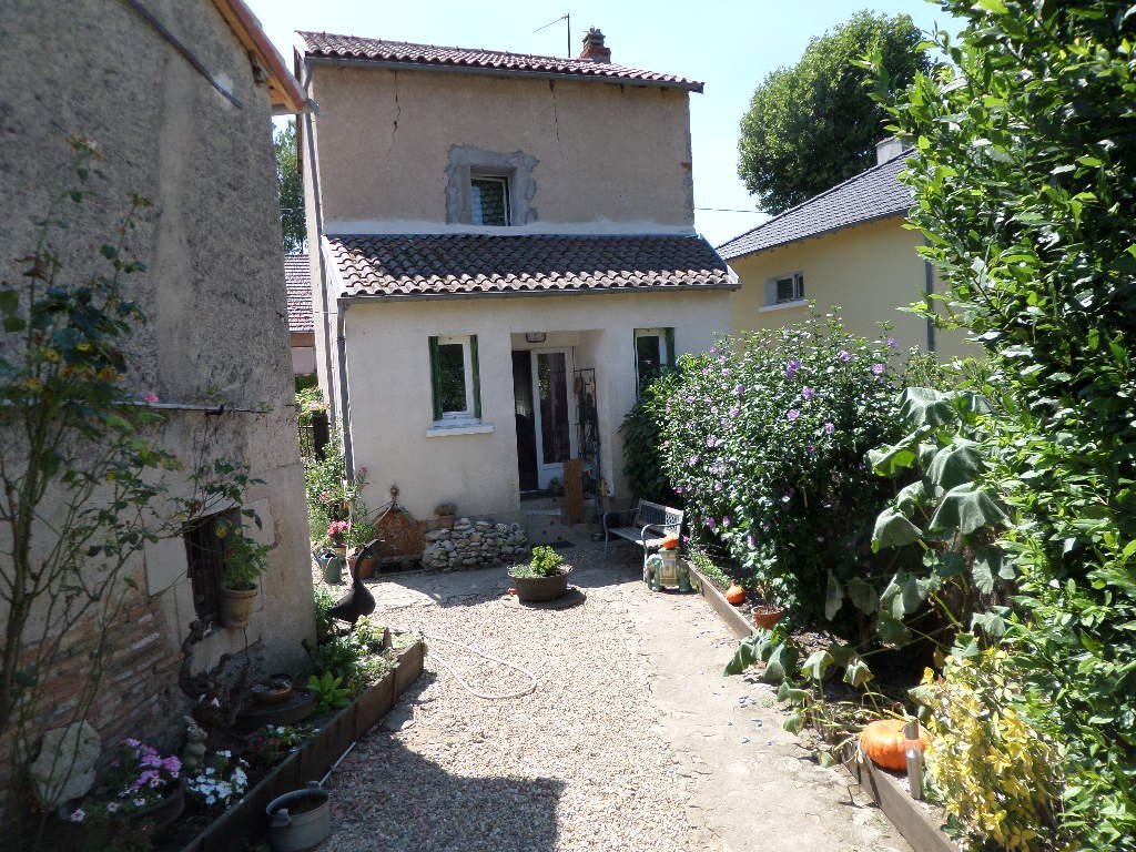 Perfect pied à terre close to riverside views