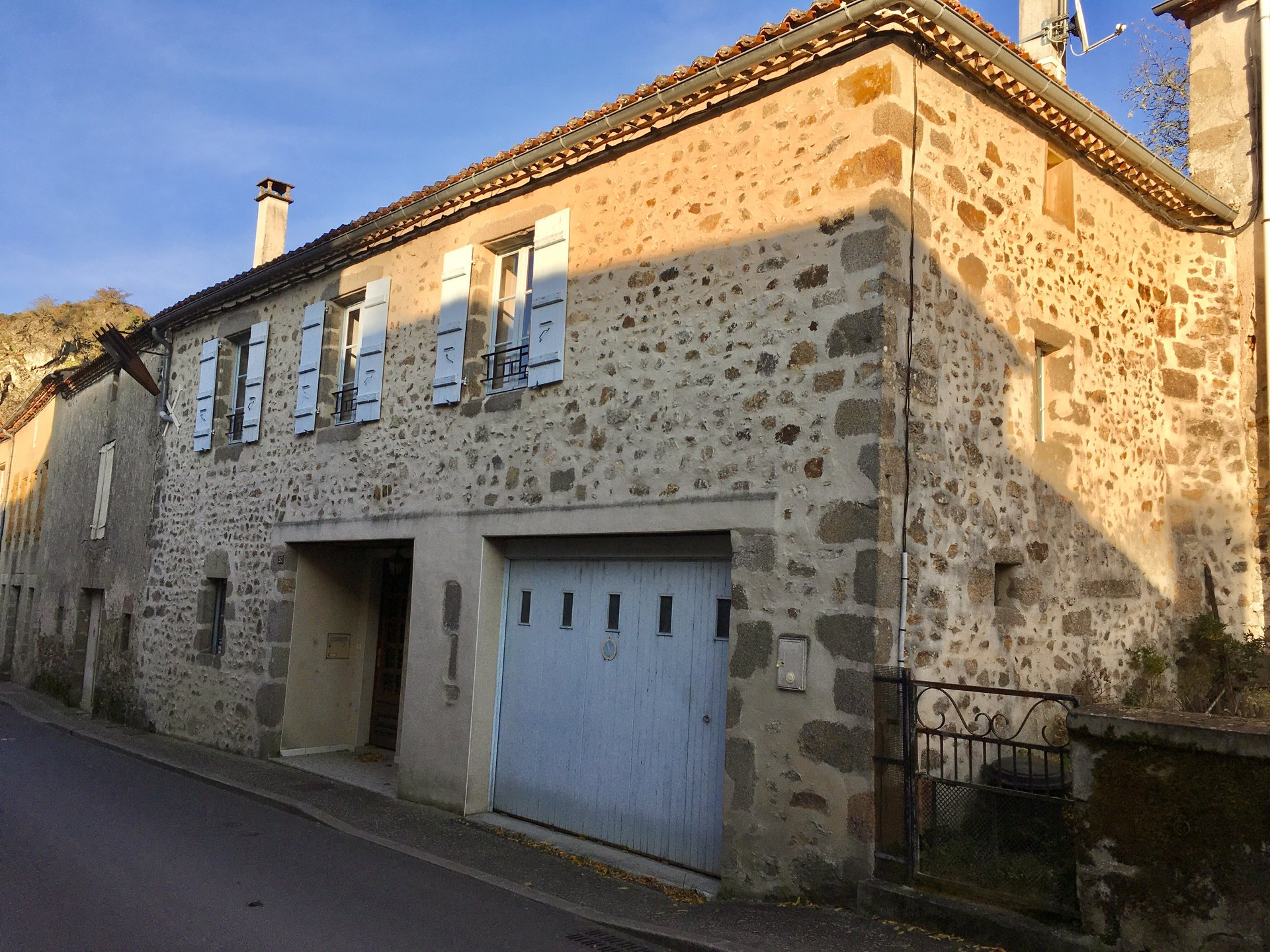Attractive Charente stone cottage in a pretty village on the river Vienne