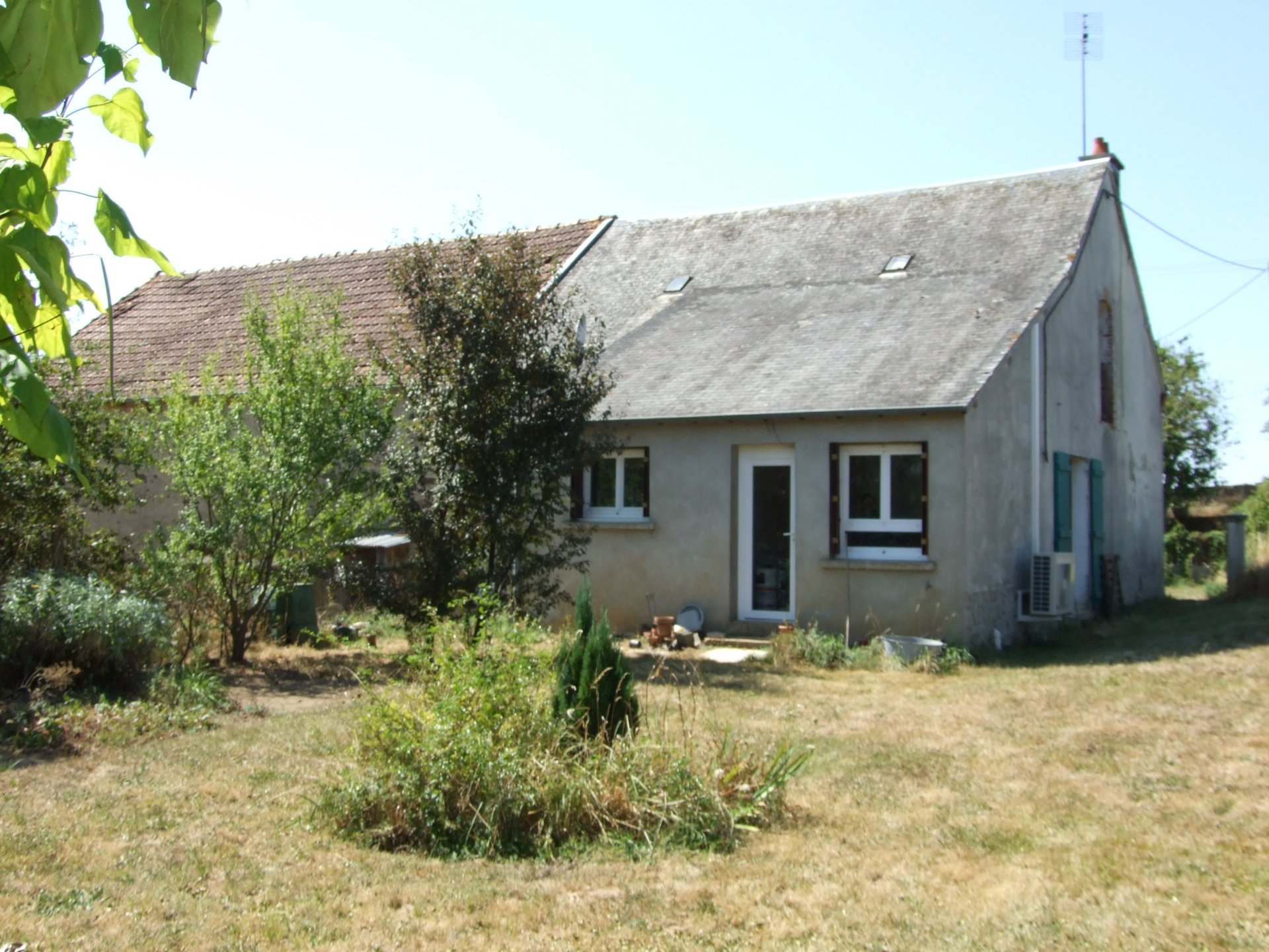 2 bedroom house with lots of land