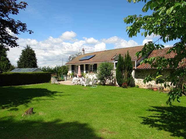 2 bed house & apartment/gite with own access, quiet hamlet in Limousin, 12 solar panels