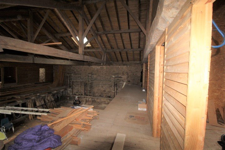 Exciting barn renovation project, habitable house and further outbuildings