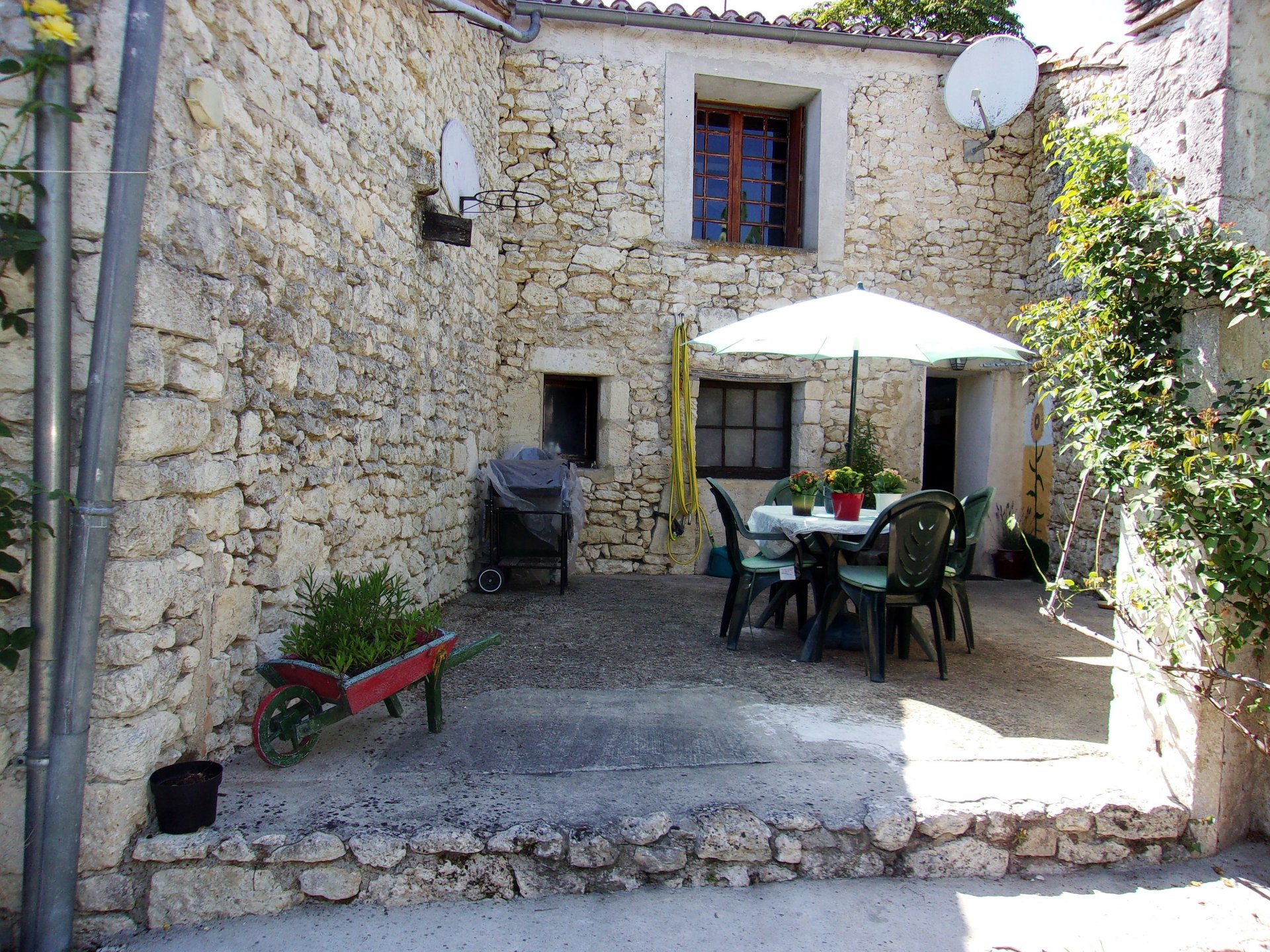 Elegant 3 bedroom stone village house with barn conversion, garden and courtyard