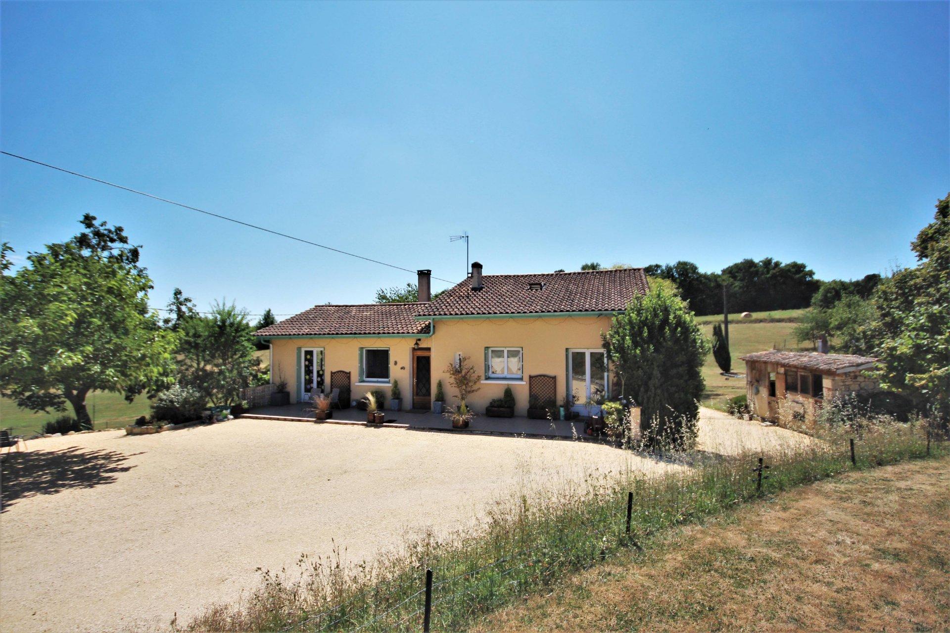 Maison de campagne avec 4 chambres et 1.7 hectares de terrain