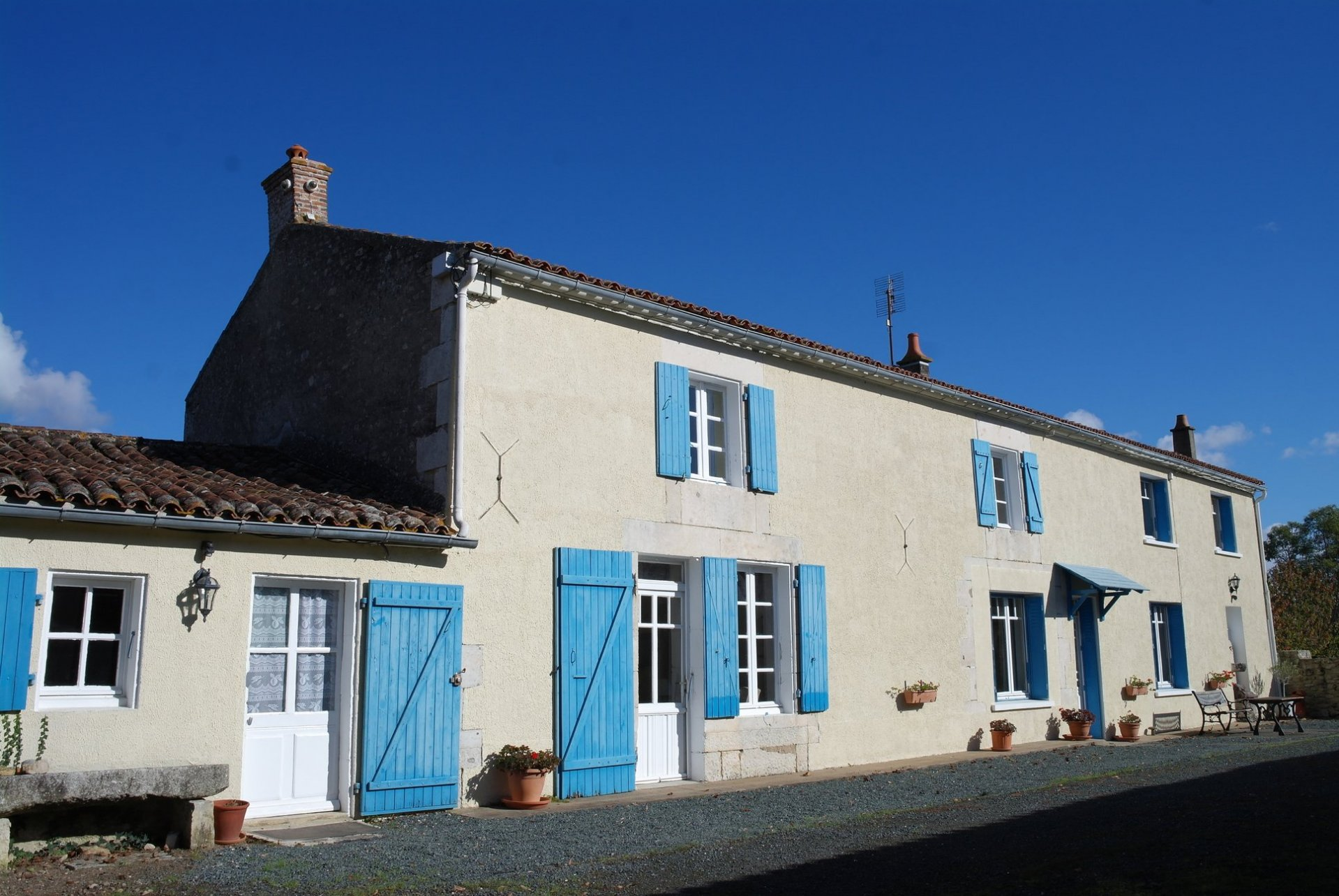 Spacious, traditional 4 bed stone built farmhouse with pool, guest cottage and large gardens