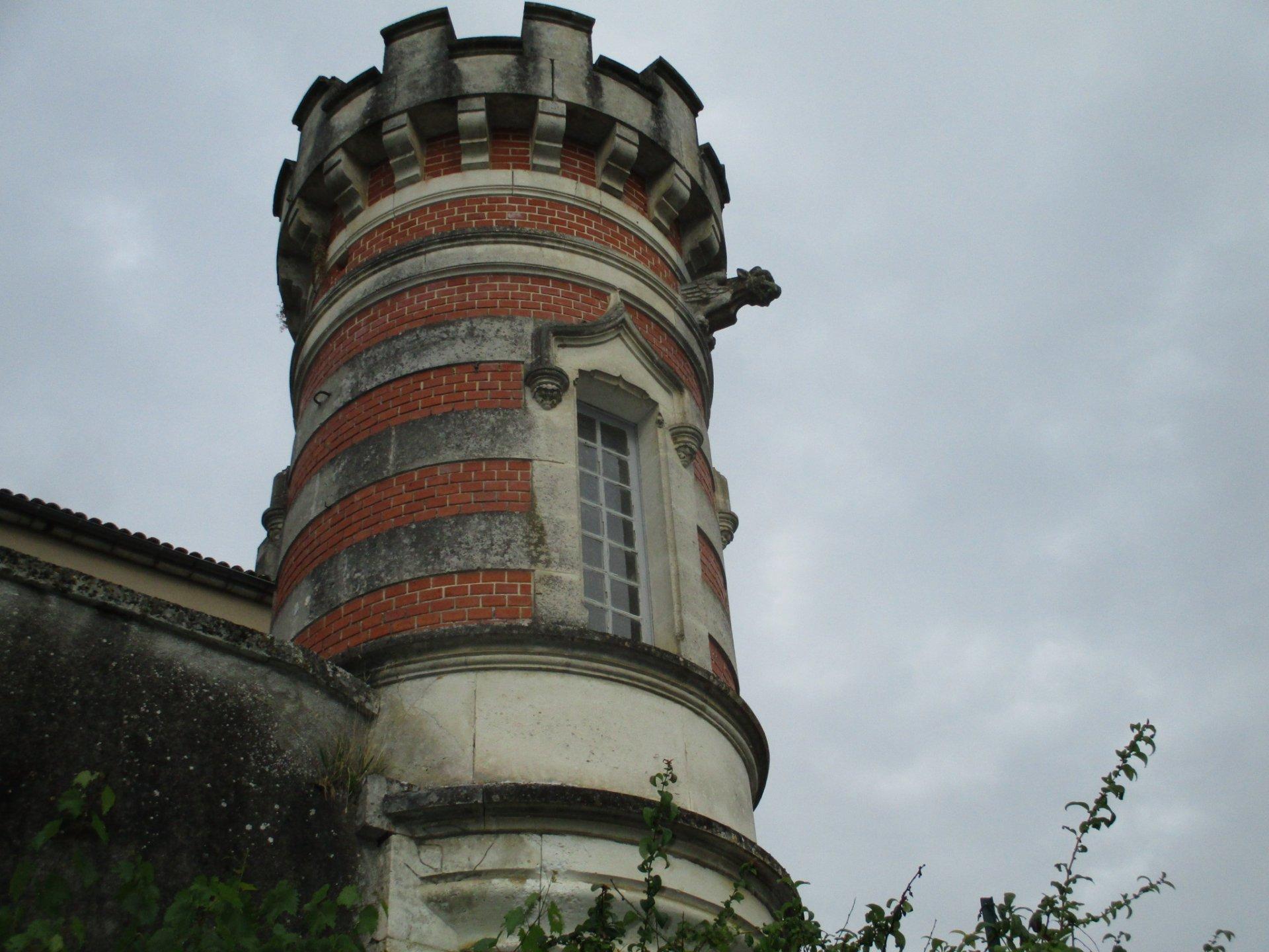 Downtown Maison de Maitre to renovate
