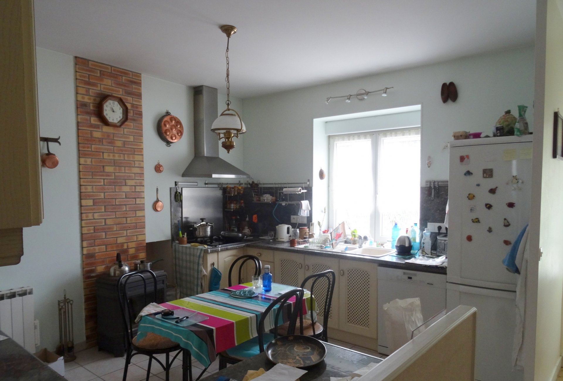 Beautiful town centre 3 bed property with garden and parking