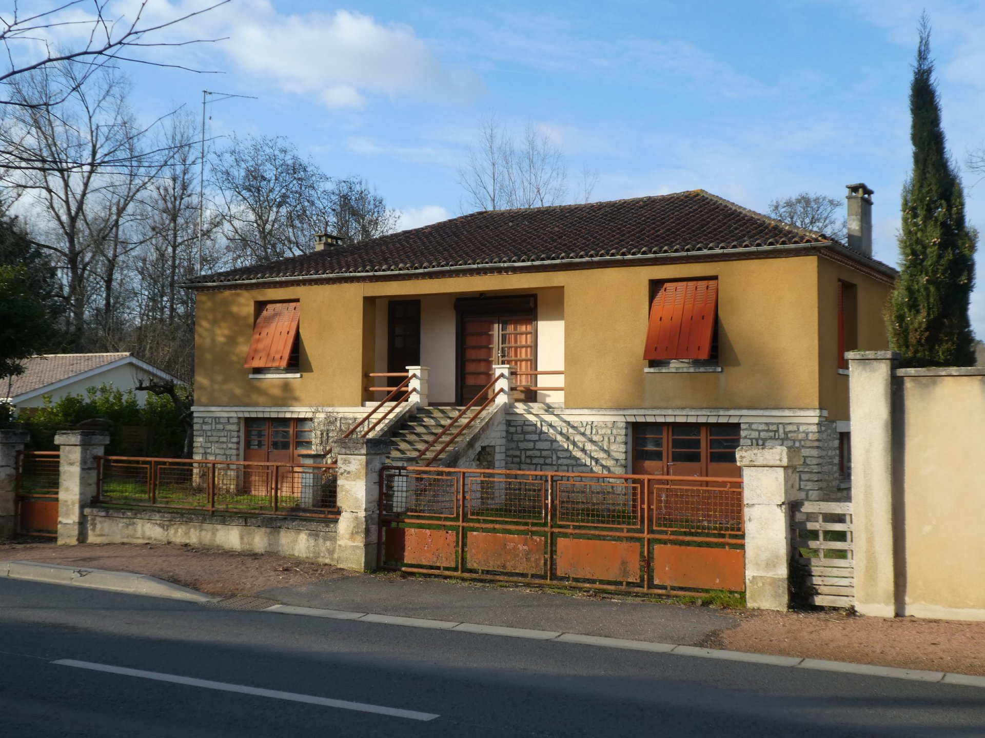 Renovation project with large garden and outbuildings