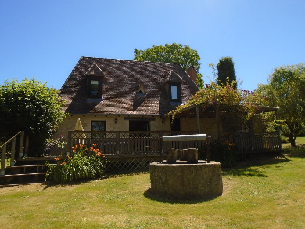 18th Century house and gites with beautiful views in over 16 acres