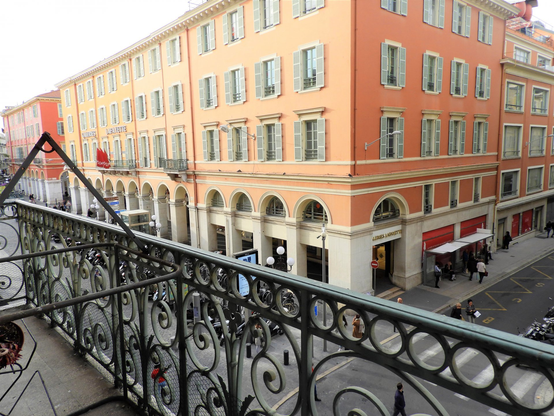 PLACE MASSENA: 3 PIECES