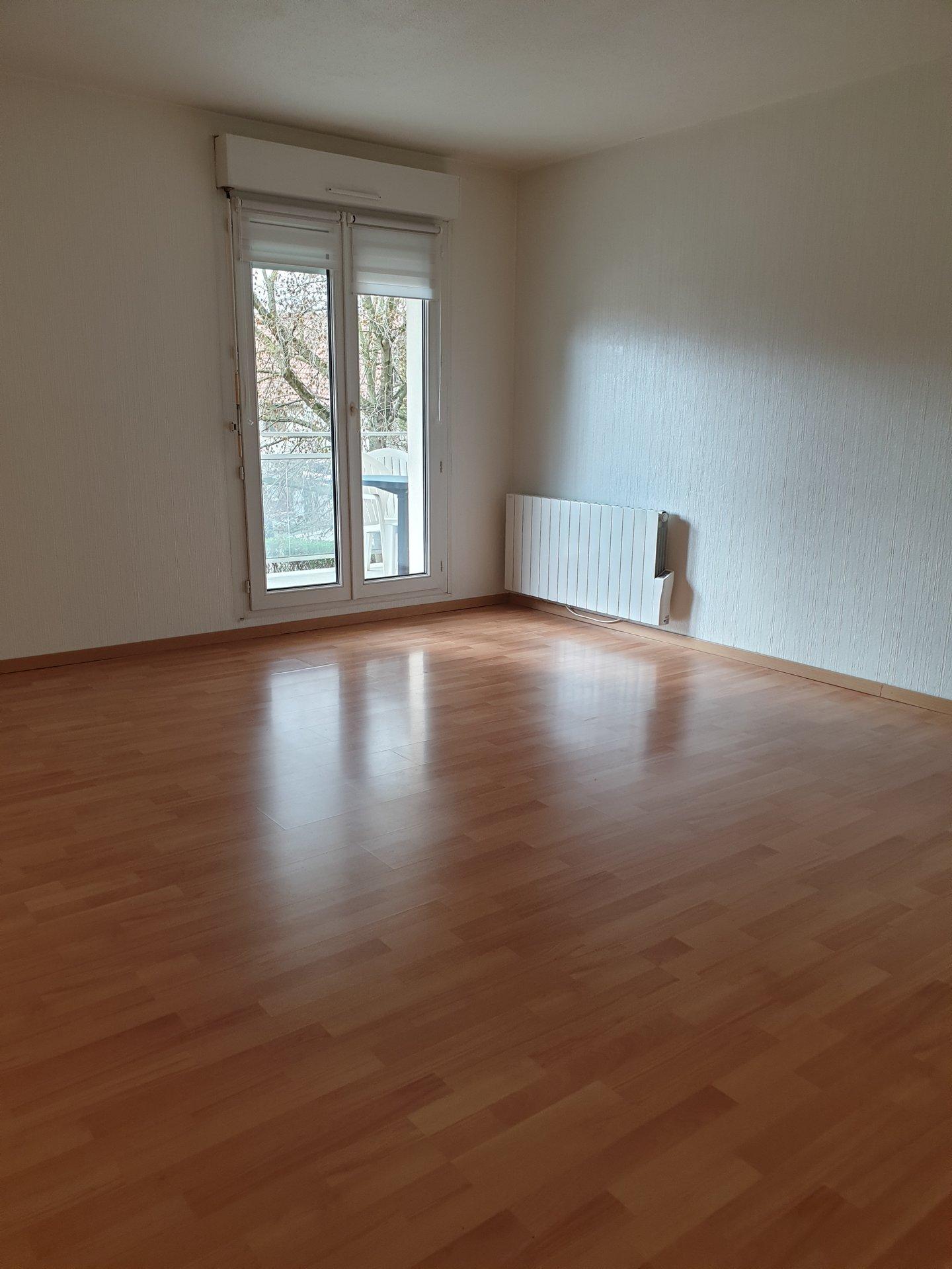Eckbolsheim : Joli 2 pièces avec balcon !!