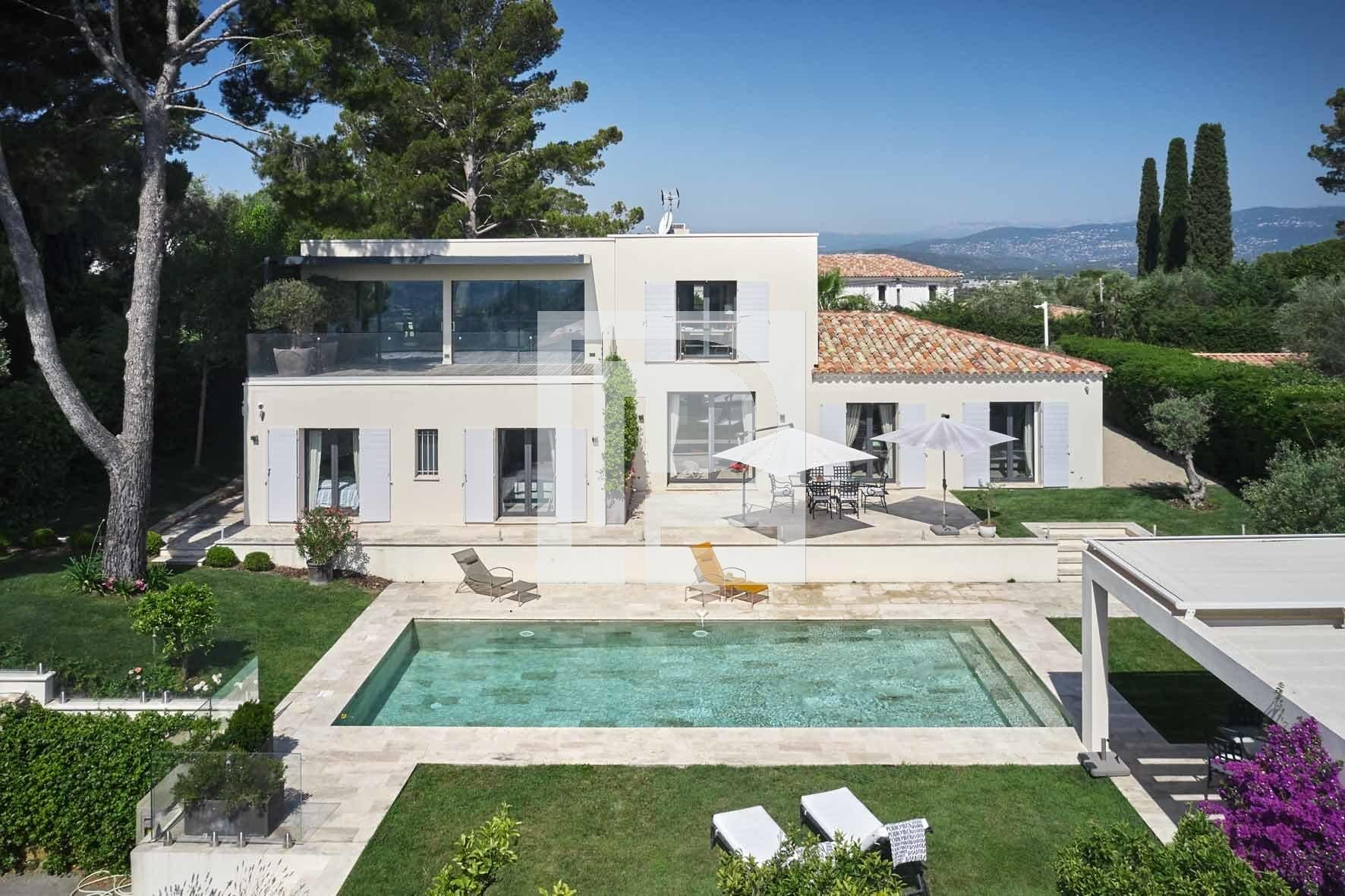 For sale - Mougins View of the Village