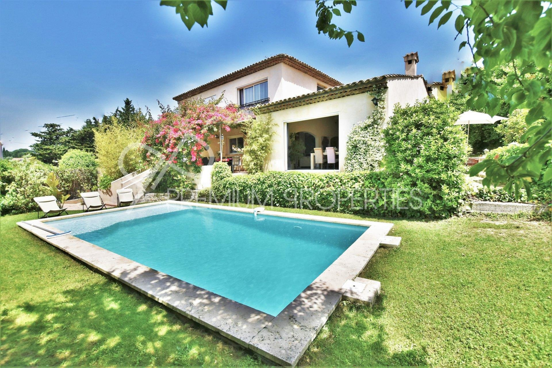 LE CANNET MAIRIE - VAST AND RECENT VILLA