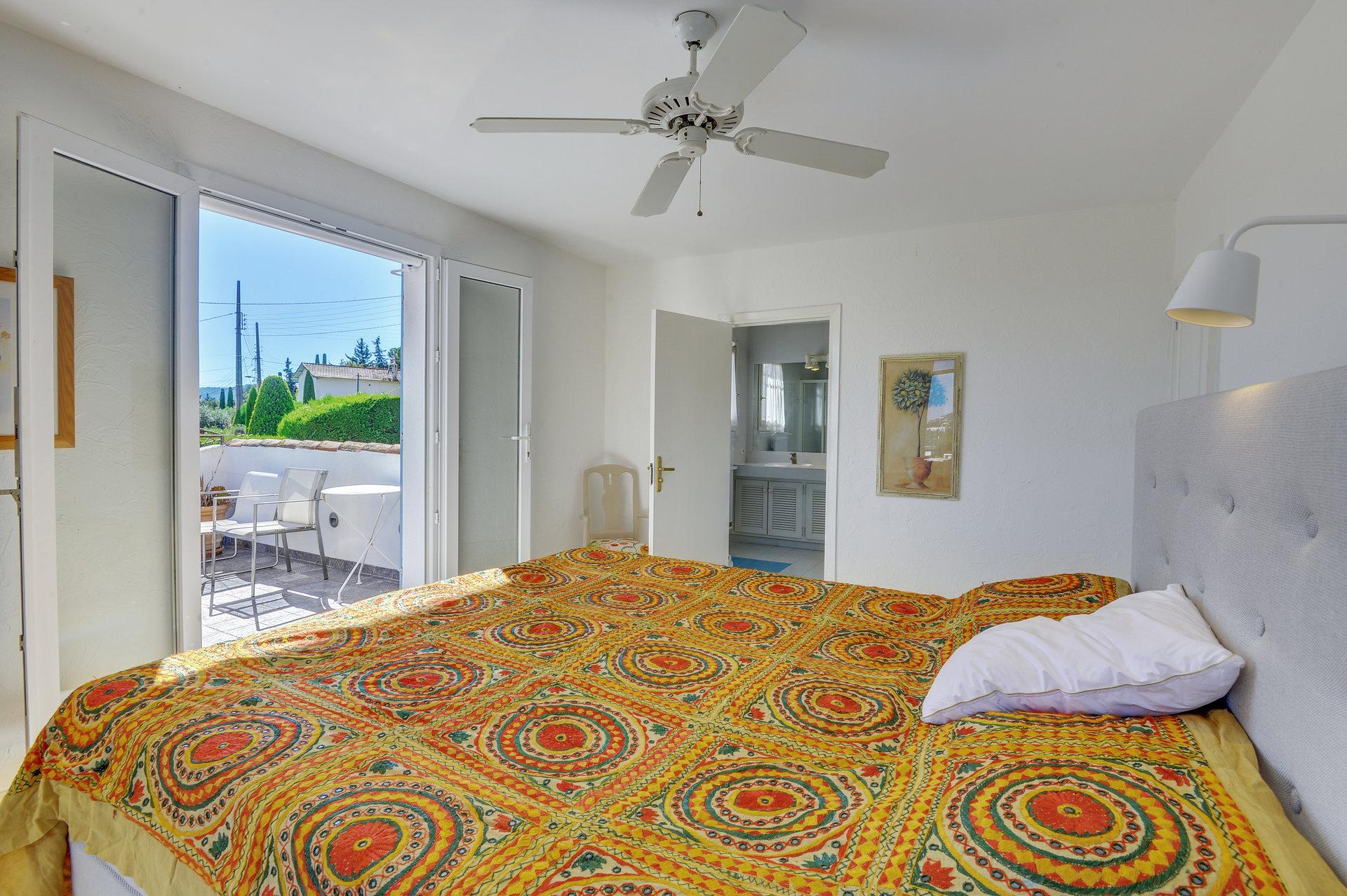 Sjarmerede Mougins - hyggelig villa med havutsikt