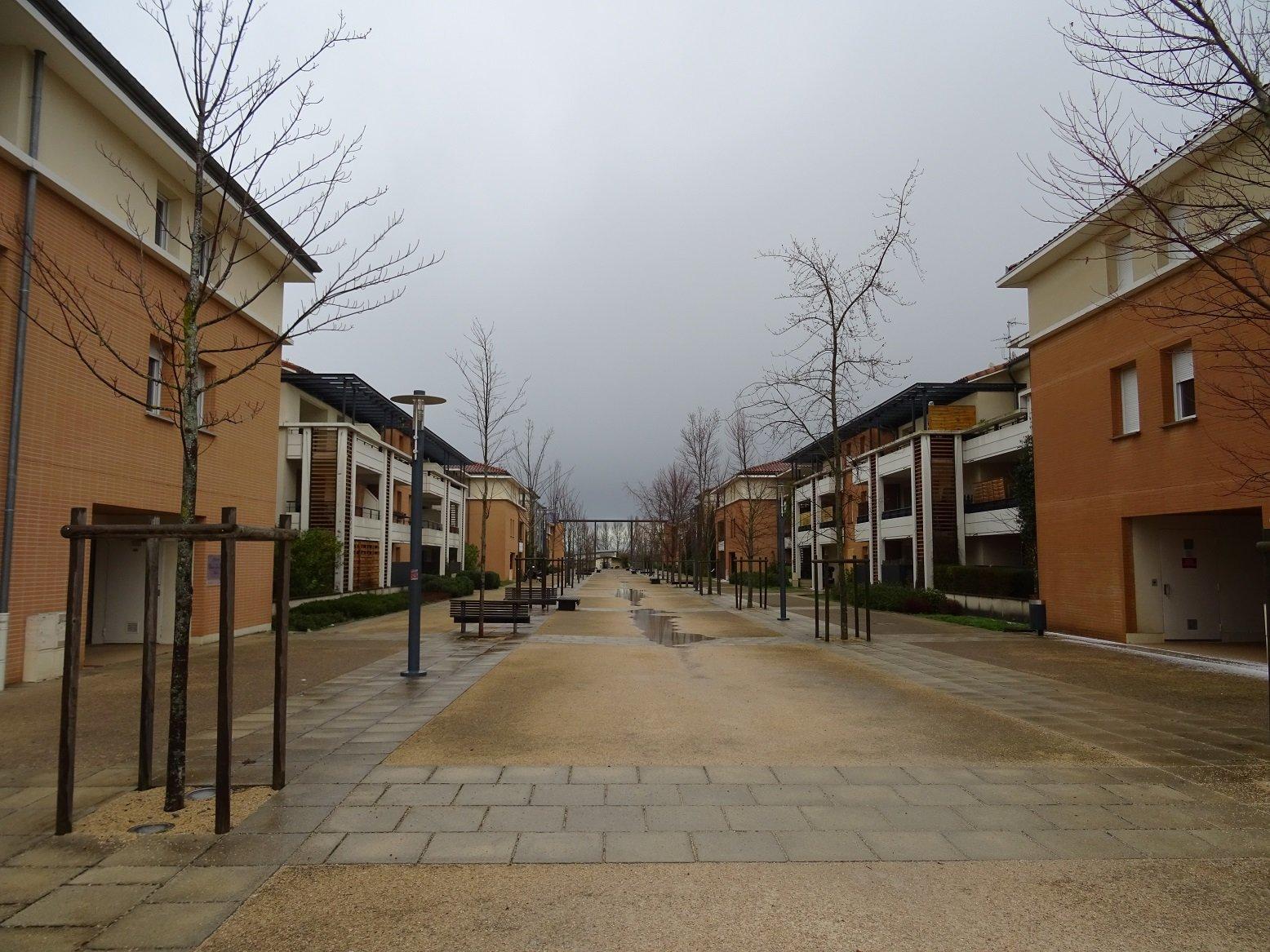 Auzeville-Tolosan, T3 de 66 m² avec balcon et 2 parkings.