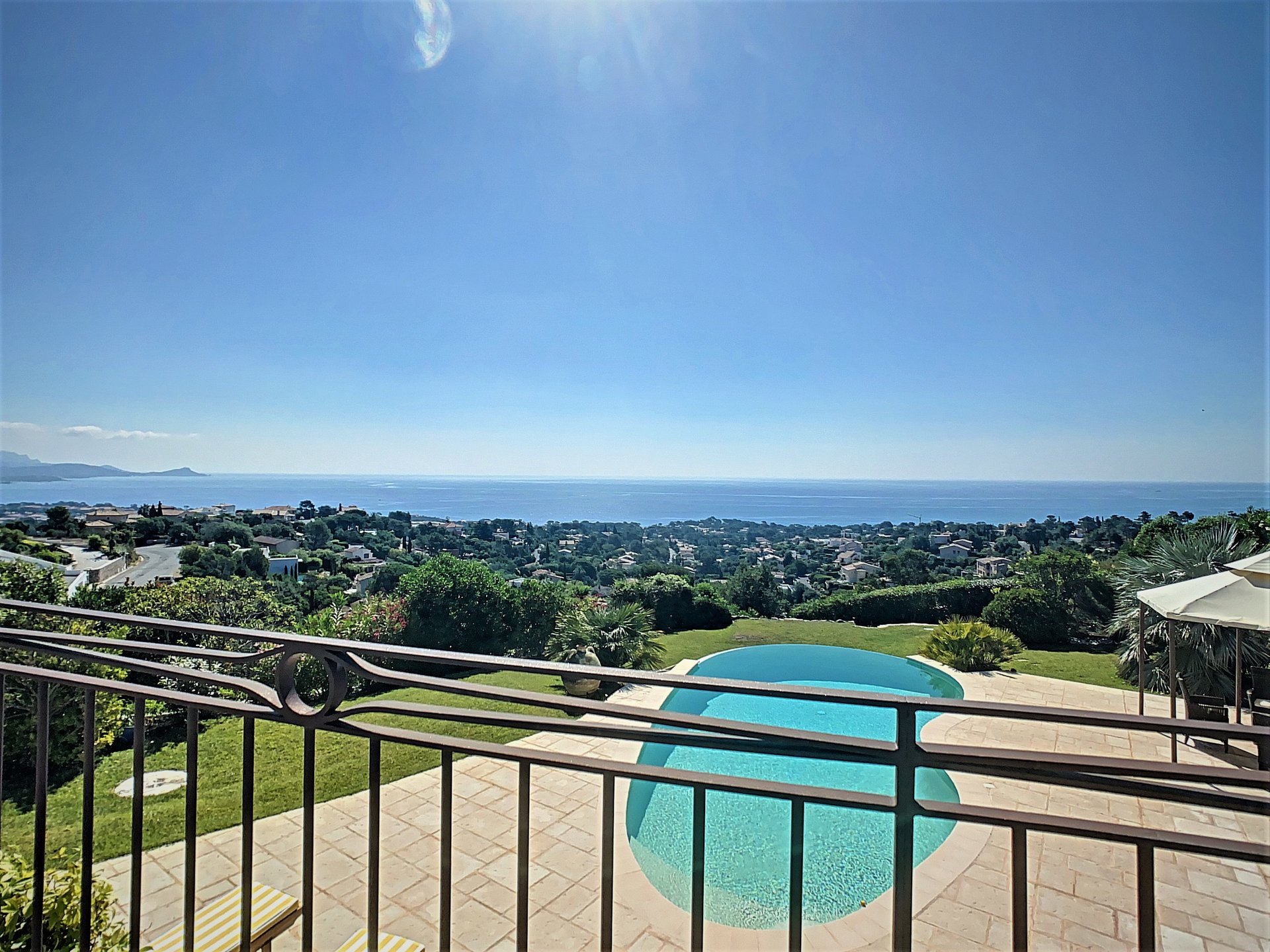 Villa for sale in Les Issambres with amazing sea view