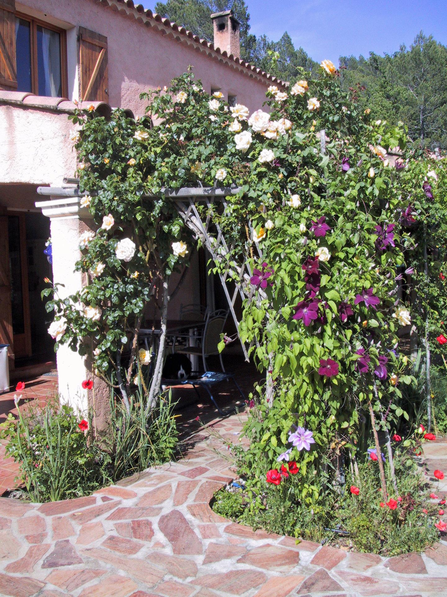 Saint-Antonin, villa 4 chambres, piscine, 2 garages