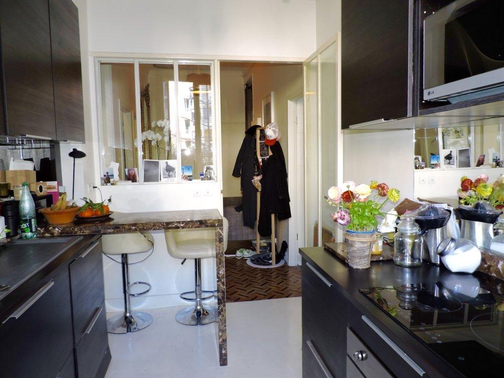 FLEURS/BOTTERO, 2 bedrooms bourgeois style with balcony