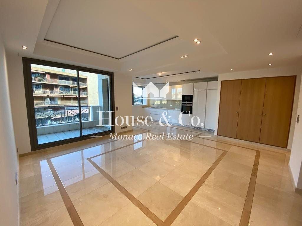 Luxurious 2 bedroom apartment - Harbor Crest